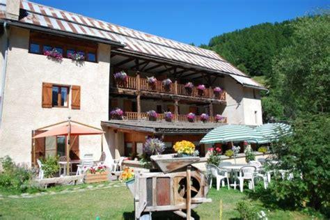 chambre d hote hautes alpes chambres d 39 hôtes au coeur des hautes alpes dans un parc