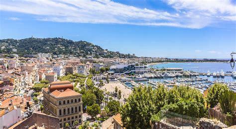Free wifi is offered throughout the hotel. Cannes | Treffpunkt von Tradition und Moderne