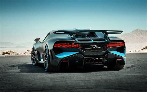 Bugatti presents bugatti divo (2019). Обои Bugatti, Divo, rear view, new, hypercar на рабочий стол - картинки с раздела Автомобили