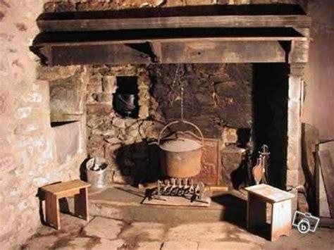 chemin馥 cuisine ancienne chemine de cuisine photo photo de on dine a la chemin vincennes valdemarne banque ancienne ferme fois intrieur du0027une vieille maison de