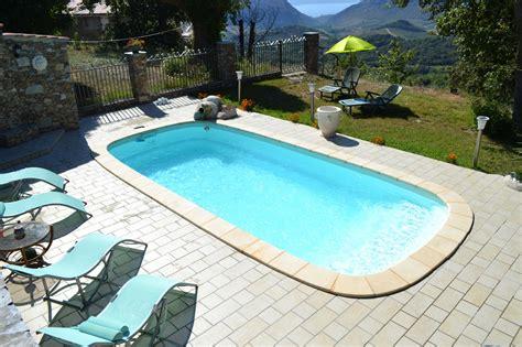 cuisina az piscines prestige polyester constructeur de piscines