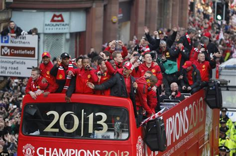 Manchester United fans line streets around Old Trafford to ...