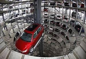Garage Volkswagen 93 : photo zone vw dealer ship in wolfsburg 2 autostadt ~ Dallasstarsshop.com Idées de Décoration
