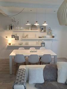 un salon feerique en gris et blanc par sophie ferjani With decoration salon gris blanc