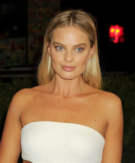Margot Robbie Met Costume Institute Gala 2016 In New York