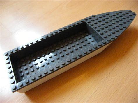 Lego White Boat Hull by Lodě A Př 205 Slušenstv 205 Lodě Ledily