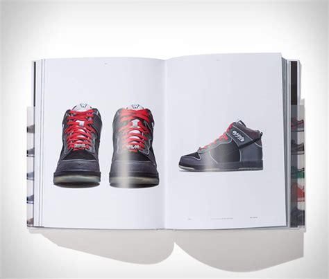 nike sb  dunk book