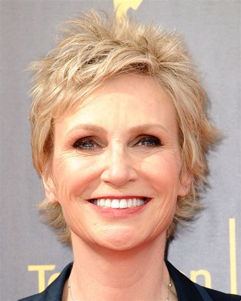 2018 Short Haircuts Older Women Over 50 to 60 Years