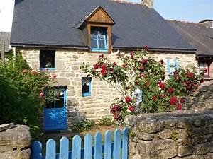 Haus Mit Fensterläden : altes haus mit blauen fensterl den im herze fewo direkt ~ Eleganceandgraceweddings.com Haus und Dekorationen