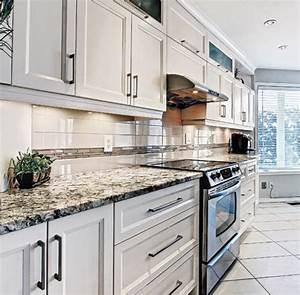 taille ilot central dans cuisine wrastecom With meuble pour petite cuisine 1 petite cuisine avec 238lot central ayant toute la