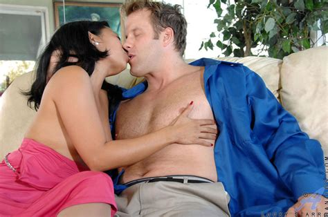 Lucky Starr Lovers Fill Morning With Sex Babes And