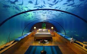 jugendzimmer le underwater hotel cheers to hawaii