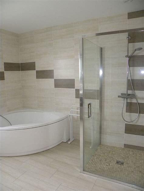 salle de bain salle de bain avec baignoire et