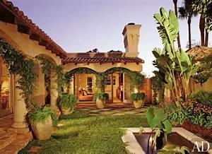 Innenhof Spanischer Häuser : traditional exterior by mac ii in los angeles california finca pinterest gartenentw rfe ~ Udekor.club Haus und Dekorationen