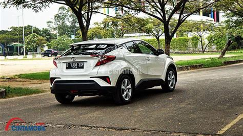 Gambar Mobil Gambar Mobiltoyota Chr Hybrid by Review Toyota C Hr 2018 Mendobrak Batas Konsep Crossover