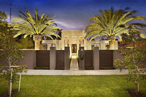 delight  senses      modern mansions