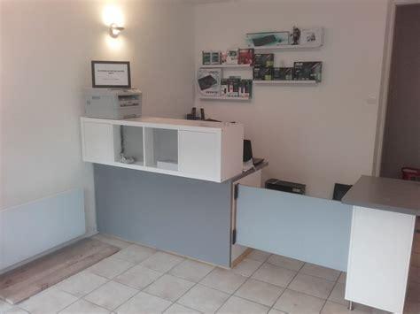 les bureau ikea comptoir d 39 accueil et bureau pas cher pour un petit commerce
