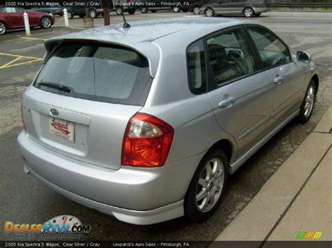 2005 Kia Spectra 5 Wagon Clear Silver / Gray Photo #5