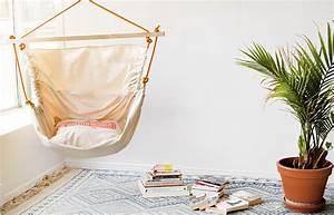 Chaise Suspendue Interieur : hamac urbain design l 39 art de faire des splendides hamacs en recyclant des cordes et des ~ Teatrodelosmanantiales.com Idées de Décoration