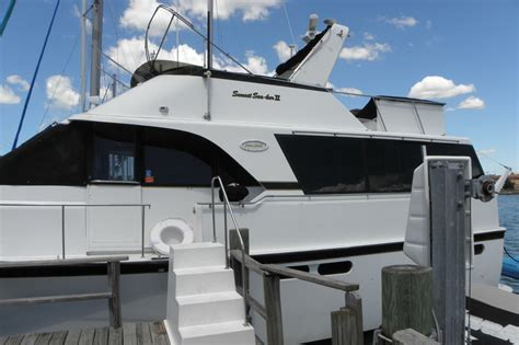 Fishing Boat Rentals Clearwater Fl by Rent A Yacht 50 Motorboat In Clearwater Fl On Sailo