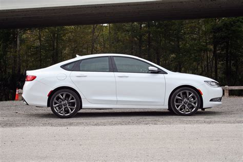 2016 Chrysler 200s Test Drive Review