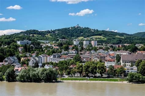 Die stadt linz im internet. Travel Guide to Linz, Austria - The City Where the Arts Change Everything