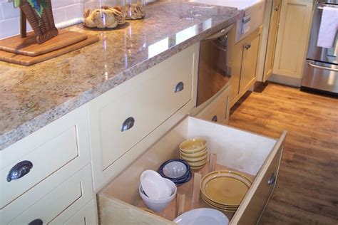 how to clean stained kitchen cabinets how to clean stains from painted white kitchen cabinets 8582