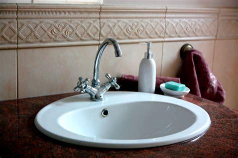 bathroom sinks  small spaces decor dezine