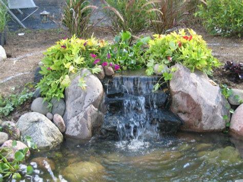 cascadas y cataratas en el jard 237 n 63 ideas refrescantes