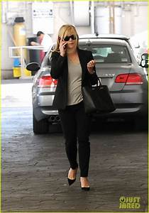 Full Sized Photo of reese witherspoon hits salon ryan ...