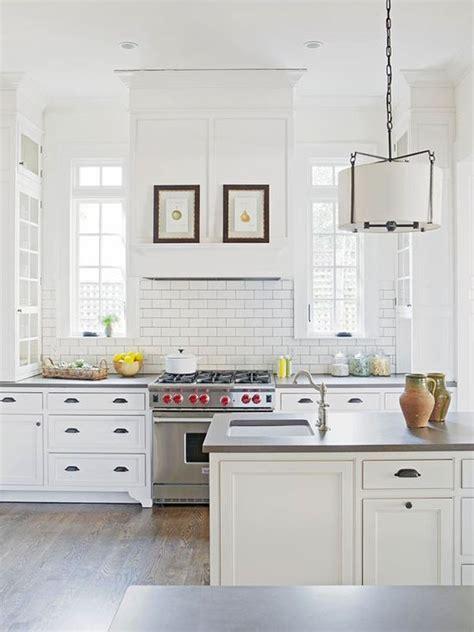 chic white kitchens