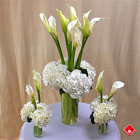 fresh cut lilies  montreal party decoration