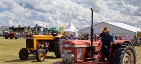 3 raduno trattori e mezzi agricoli a valli pasubio