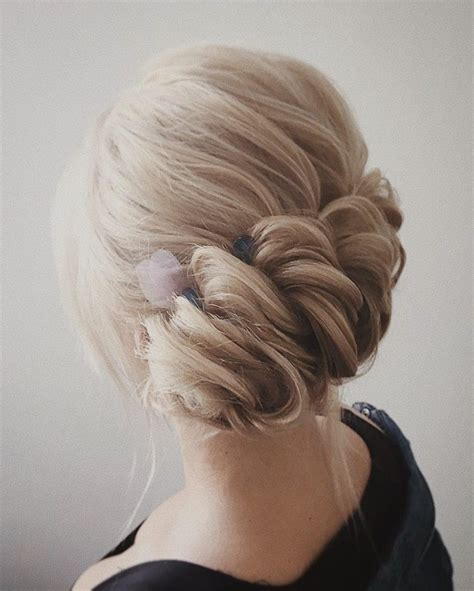 this beautiful wedding hair updo hairstyle will inspire