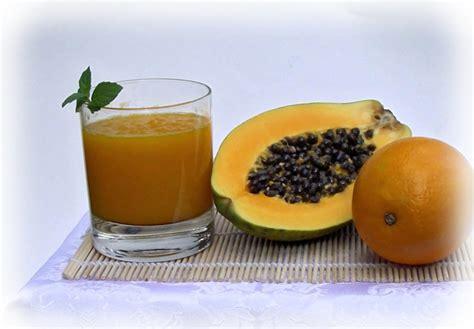 Fresh Papaya Juice Benefits (Fruit Seeds & Leaves)