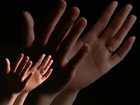 prayer praise hands prayer blog