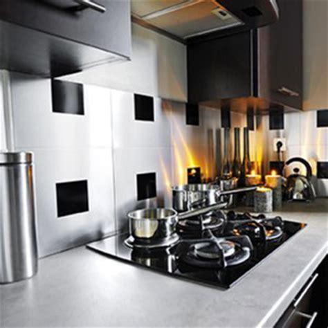 carreaux adhesifs cuisine relooker sa cuisine 5 revêtements pas chers du tout