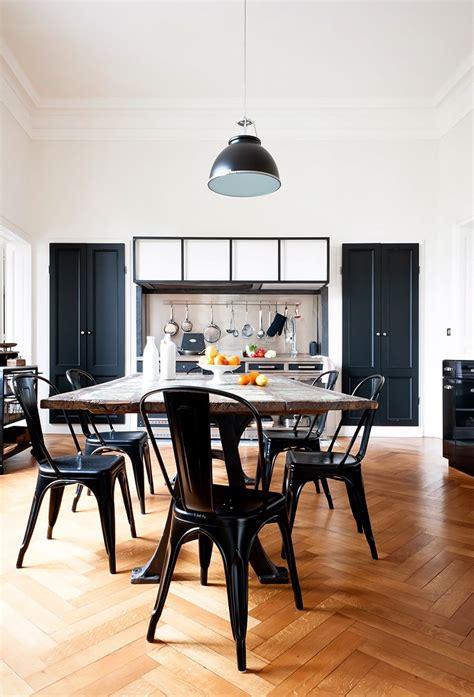 canape chesterfield tissu une villa à la française frenchy fancy