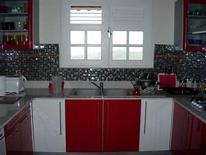 cuisine rouge et blanc photo 1 1 cuisine en voie d With idee deco cuisine avec cuisine rouge et blanc
