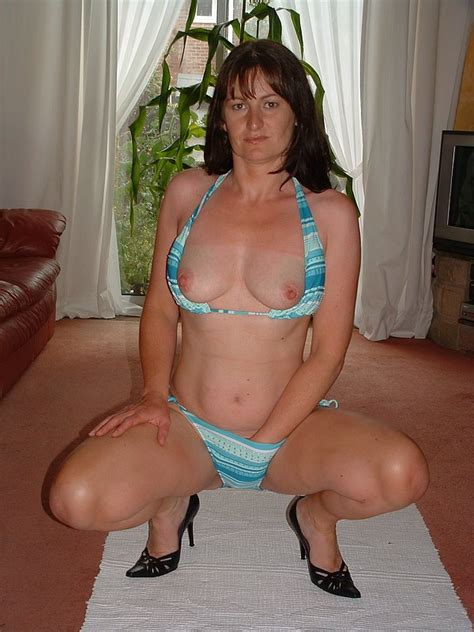 Awesome Looking Mature Women Next Door Amateurs Who Always