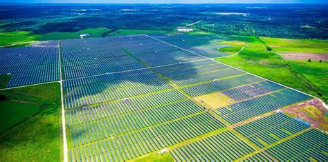 Solar projects pursuing links to main Texas grid surge ...