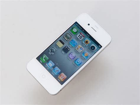 white iphone white iphone 4 s problem is light leakage