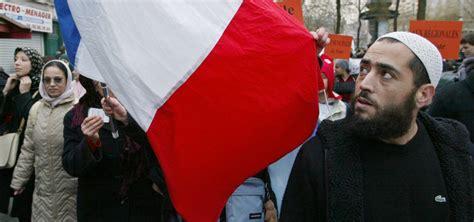 فتح تحقيق في سفارة فرنسا بالمغرب بسبب منح تأشيرات 'شينغن
