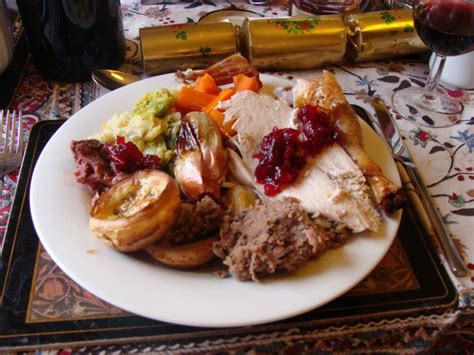 what to eat for christmas dinner brits eat 6 000 calories on day the equivalent of 12 big macs metro news