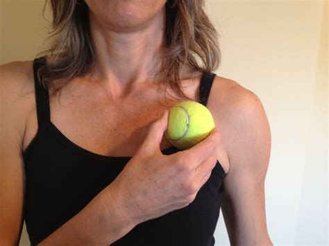 Around The Collar Bone Area Clavicle Collarbone Causes