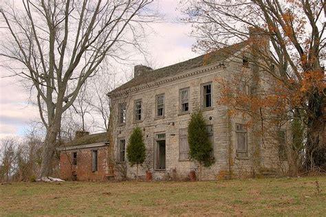 rural mount       abandoned houses