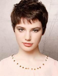Coupe Courte Tendance 2019 : 3 court pixie coupe de cheveux vous verrez tendances en 2019 votre coiffure ~ Dallasstarsshop.com Idées de Décoration