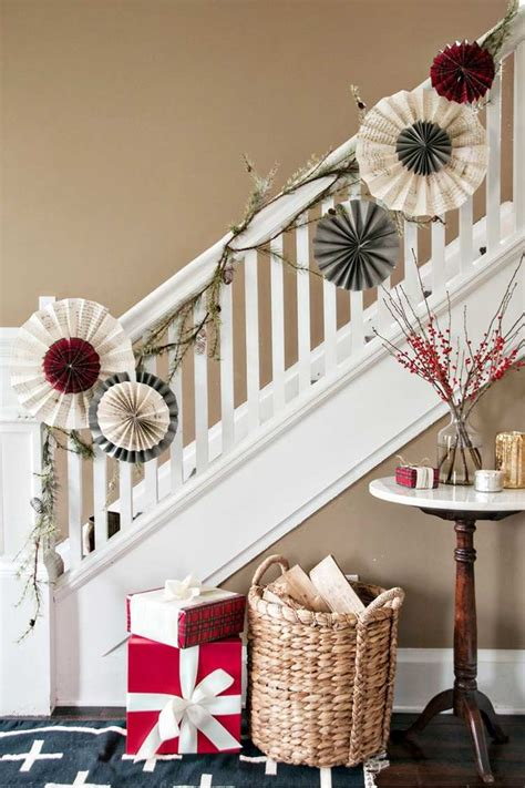 decoration escalier noel idees inspirantes pour sublimer