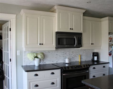 backsplash with white cabinets kitchen backsplash ideas with white cabinets and dark