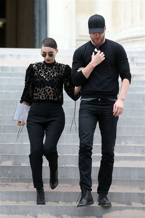 rooney mara givenchy fashion show  paris pfw